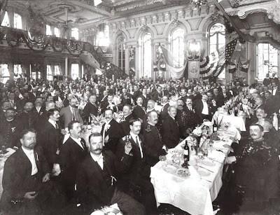 纽约马丁咖啡(Cafe Martin)的观众,电传簧风琴音乐曾在这里进行广播