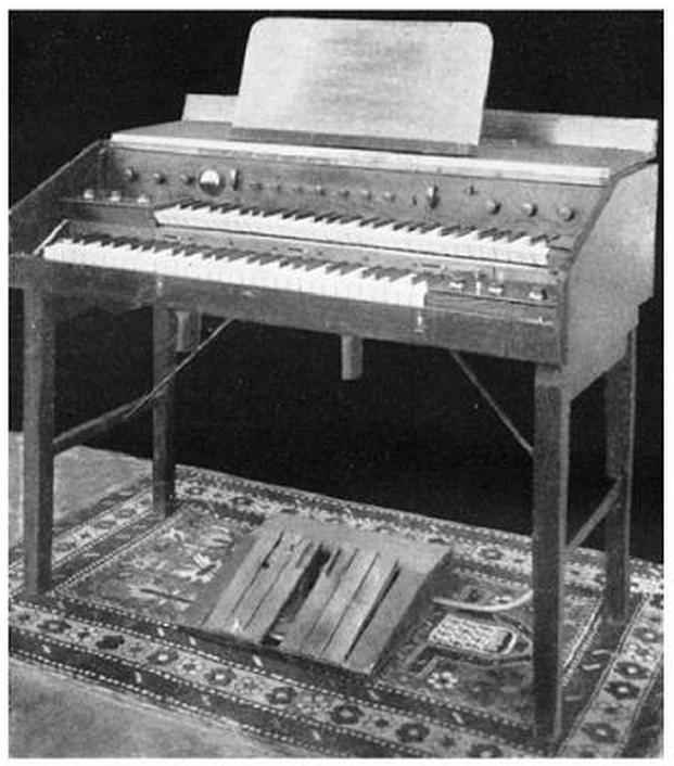 布鲁诺发明的赫勒尔琴