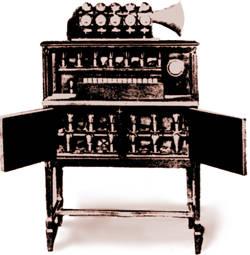 雨果·根斯巴克的电声钢琴