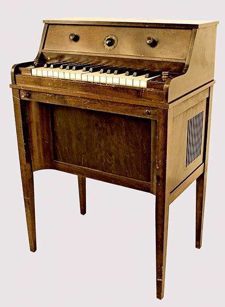 艾米肯电子琴,美国南达科塔州弗米利恩(Vermilion)国家音乐博物馆(Music Museum)馆藏
