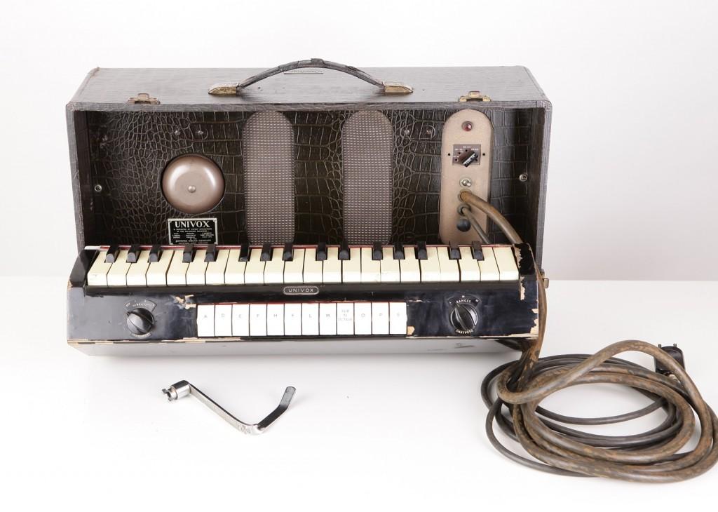 全音琴,1940年