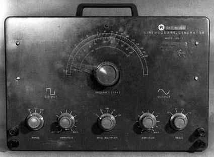 一台Heath正弦波、方波发生器