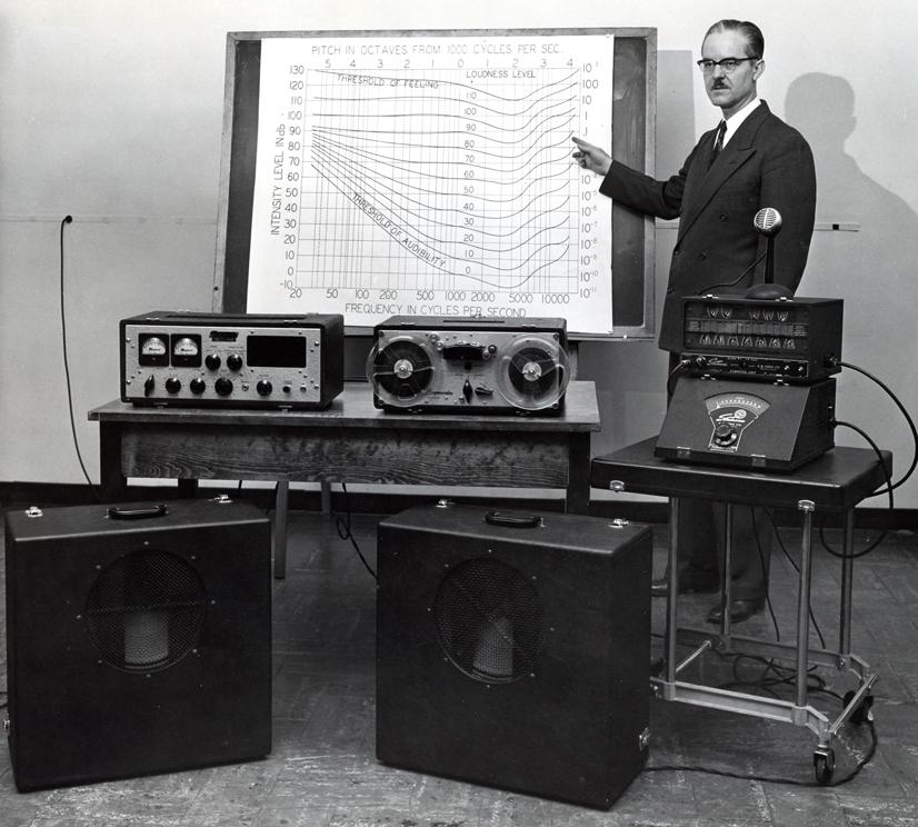 厄尔·肯特博士在康恩公司的实验室,1950年代