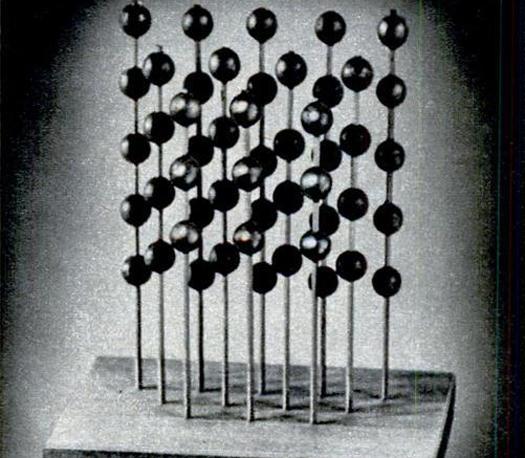 """科克于50年代期间在贝尔实验室开发的声学镜头(Acoustic lense),亦称""""音响镜"""""""