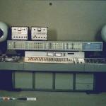 GRM工作室的控制终端,图中有一个EMI混音台库皮尼合成器(Coupigny Synthesiser)的一部分,1972年