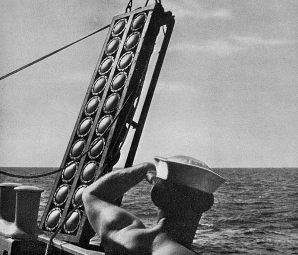 科克在二战期间发明的声纳设备