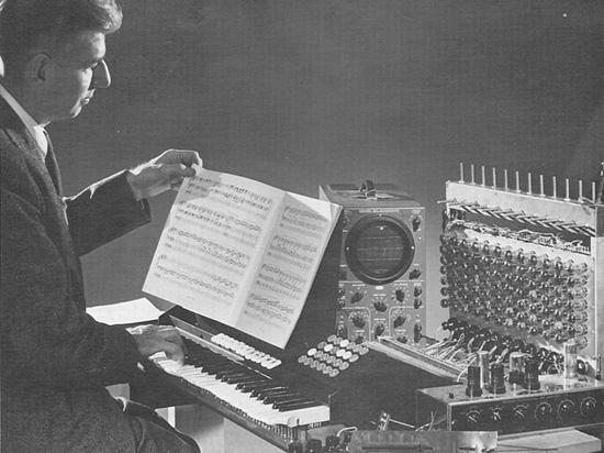 """""""我最想做的便是创造一种具有音乐表现力的电子乐器。"""""""