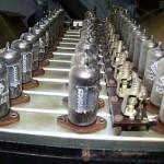 琴体内部的多行电子管