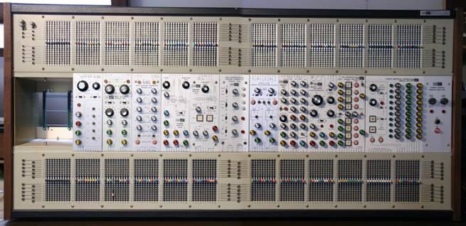 ARP 2500 前面板