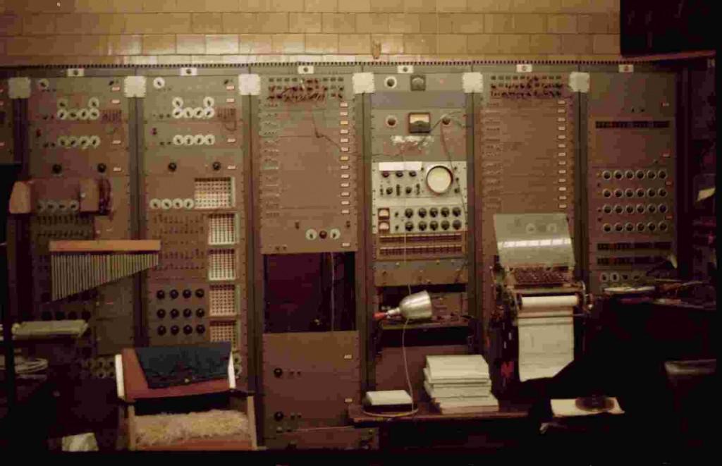 RCA合成器