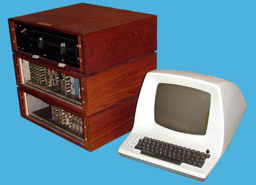 键盘合成器 I 搭配 VT100 计算机