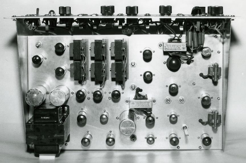 音频系统合成器电路