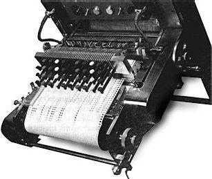 RCA合成器穿孔纸带的输入端