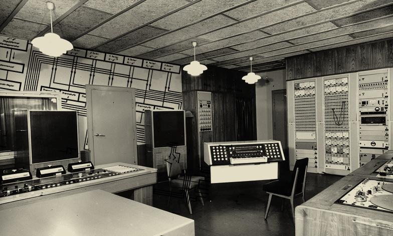 声学-音乐交叉学科实验室的次谐波合成器,东德阿德勒肖地区,1960年