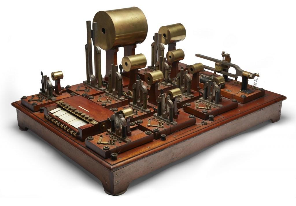 马克思·科尔的亥姆霍兹合成器(1905)