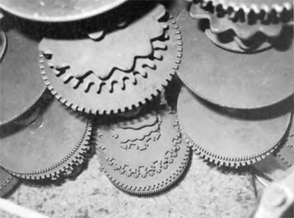 电磁琴的音轮装置组合超过了12轴。维也纳科技博物馆供图