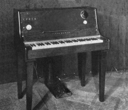 利昂·泰勒明的泰勒明键盘琴,1932年摄