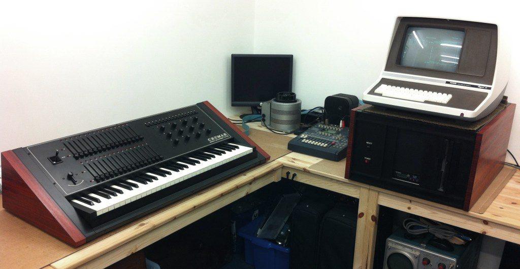 一台Crumar GDS合成器,由海德威工作室(Hideaway Studio)丹·威尔逊(Dan Wilson)复原